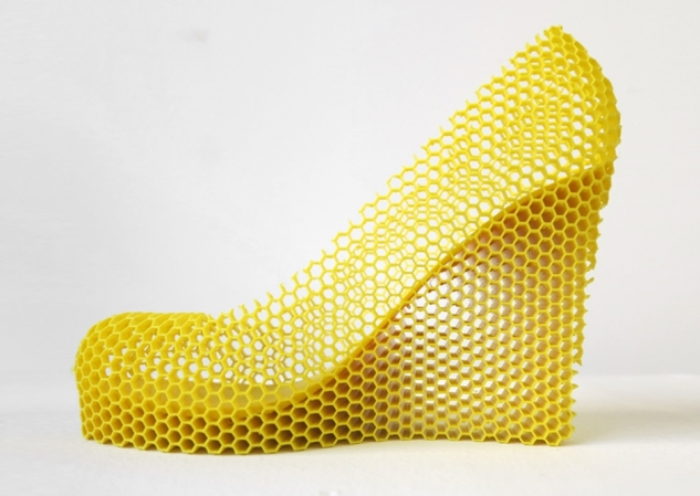 12-shoes-for-12-lovers-by-sebastian-errazuriz-designboom-honey