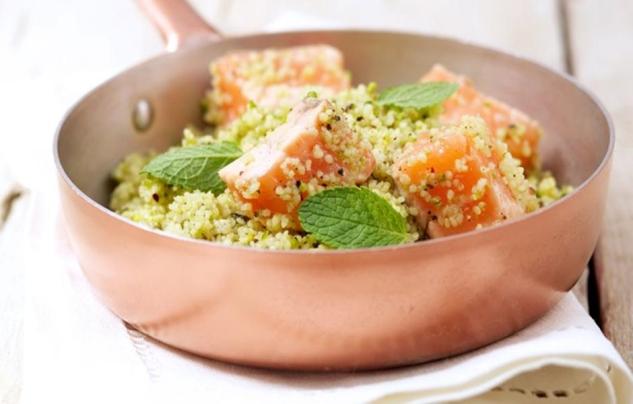 Cous cous profumato alla menta, lime, pistacchi e Salmone