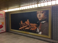 Esselunga porta l'arte in metro 3