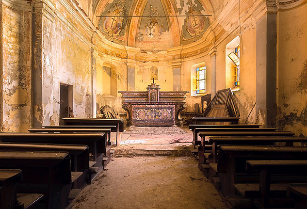 chiese-abbandonate-roman-robroek-17